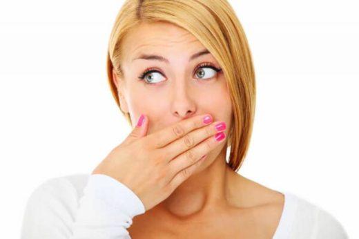 Простые способы победить неприятный запах изо рта